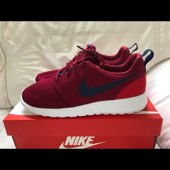 low priced 3e934 0c264 Nike Roshe One Red Crush Midnight Navy Men's 9 New NWT